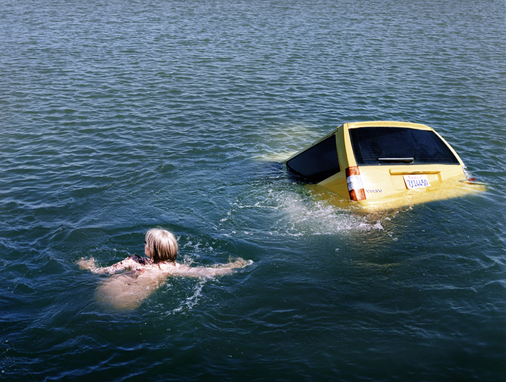 art blog - Alex Prager - empty kingdom top 100