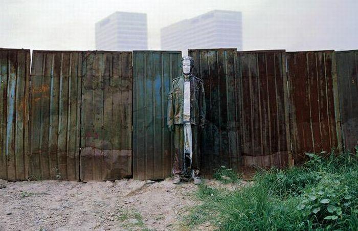 art blog - Liu Bolin - empty kingdom top 100