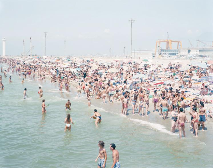 art blog - Massimo Vitali - empty kingdom