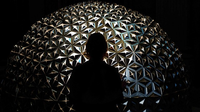 Studio-Roosegaarde-_Lotus-Dome-_001_E